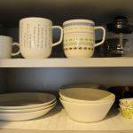 食器をシンプルに、使いやすく。必要ないものを処分して食器を選び、最低限に。