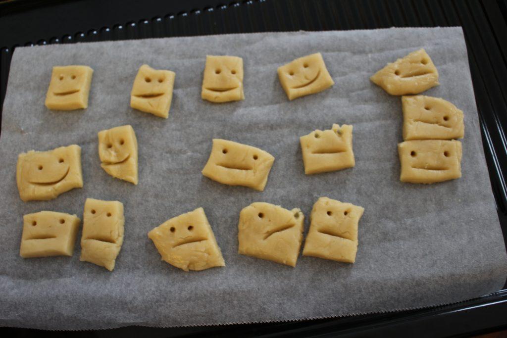 2歳児と一緒に手作りクッキー