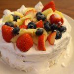 tontonのスポンジケーキ風のパンとホイップクリームで簡単手作りケーキ