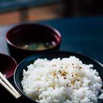冷蔵庫に収まるコンパクトでシンプルな米びつを購入しました